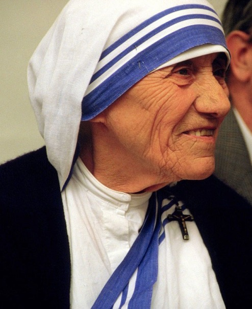 Photo courtesy: http://commons.wikimedia.org/wiki/File:MotherTeresa_090.jpg